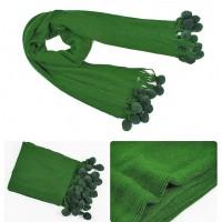 Шарф вязаний зеленый с помпонами