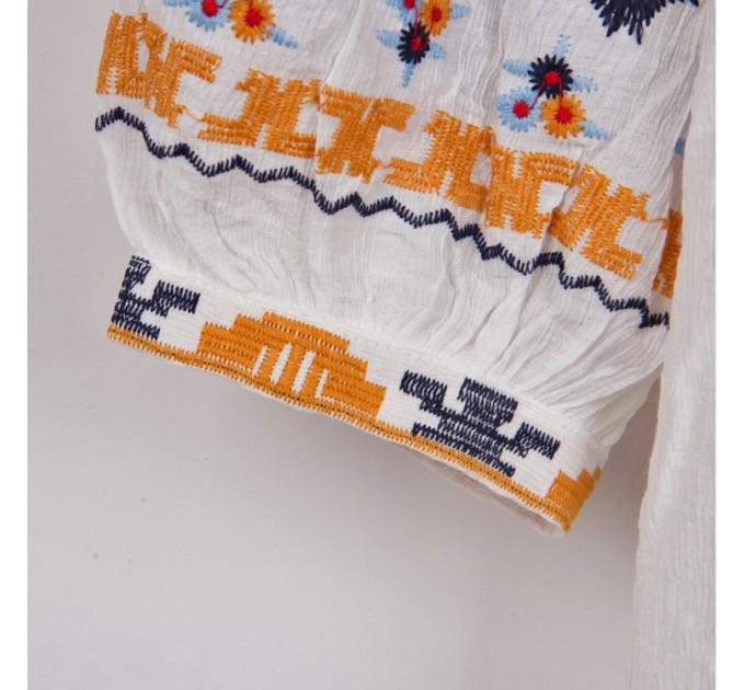 Блузка біла этно вишивка