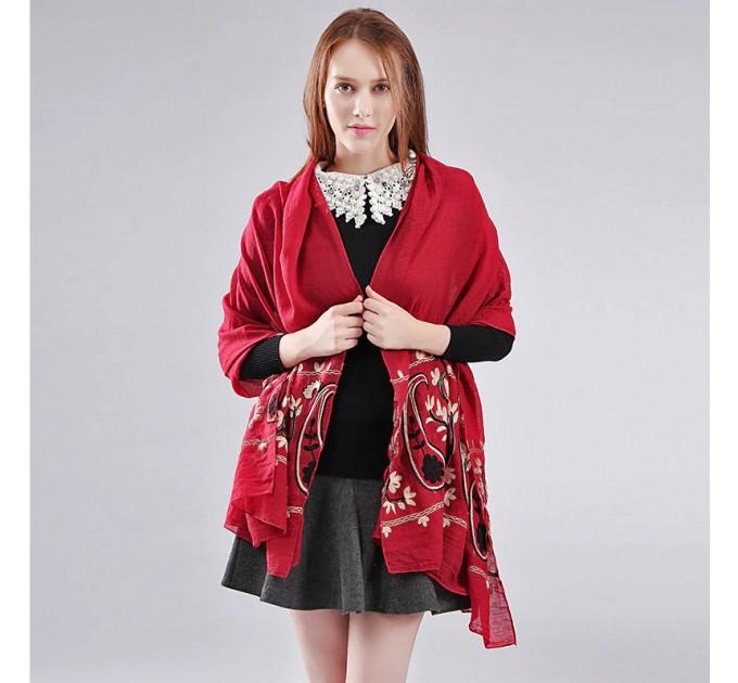 Женский шарф бордовый