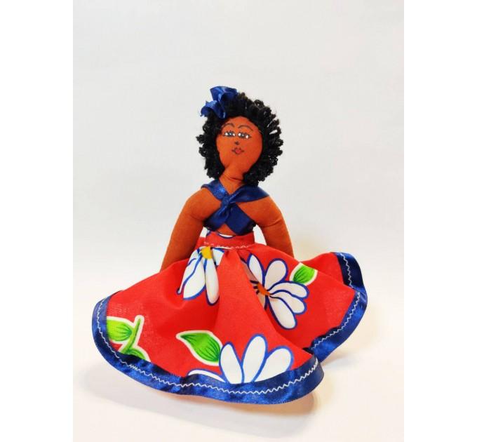 Лялька сувенірна мулатка