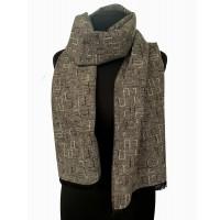 Шерстяной шарф под пальто