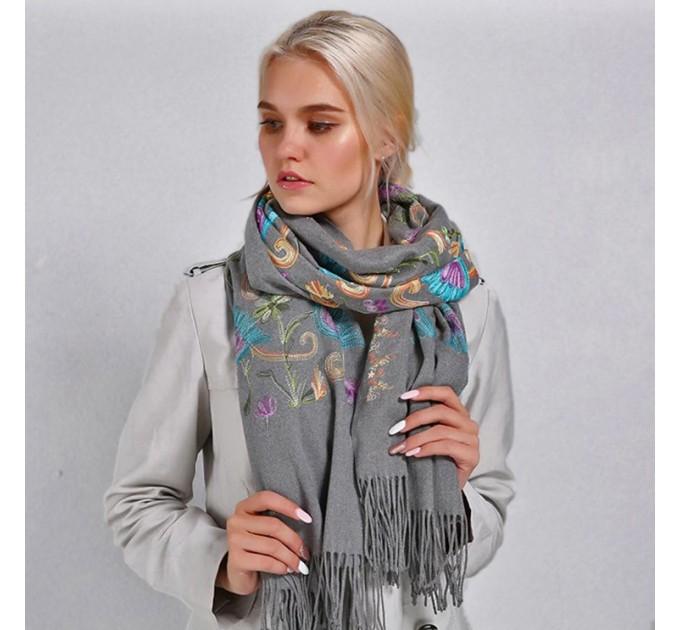 Палантин шарф серый шерстяной цветы