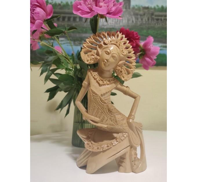 Статуетка ручної роботи танцівниця