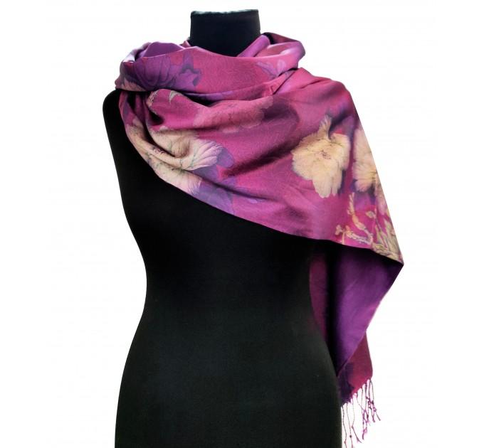 Шовковий шарф-палантин малиновий в квітковий принт