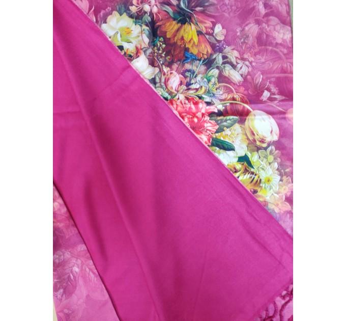 Женский шелковый палантин розовый с бахромой