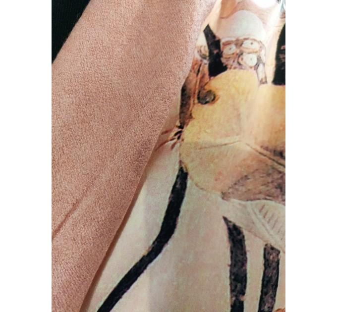 Стильный шелковый палантин с винтажным принтом