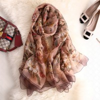 Жіночий шарф хустка газовий бежевий