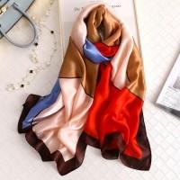 Шовковий шарф хустку яскравий на шию шовковий