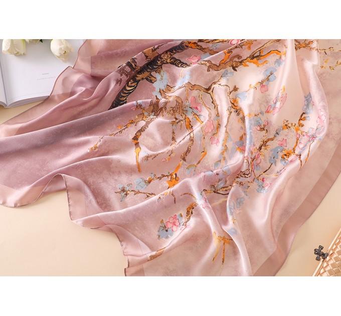 Шовкова хустка рожева в квіти