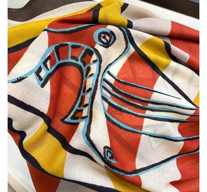 Жіночий шарф абстракція